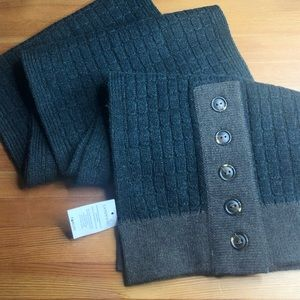 NWT Land's End Merino Wool Scarf Green Buttons